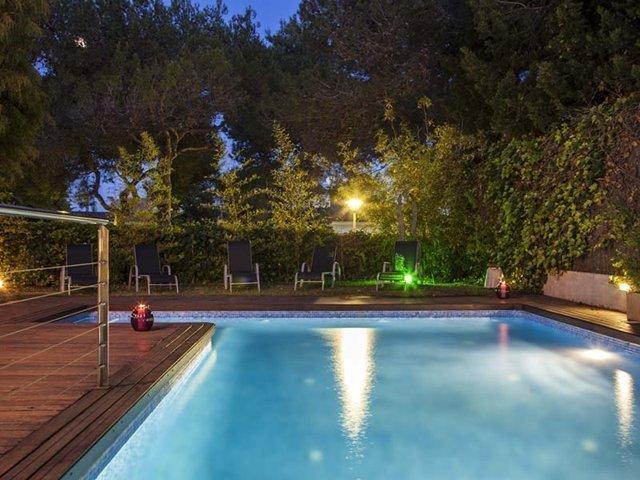villa Sitges de noche