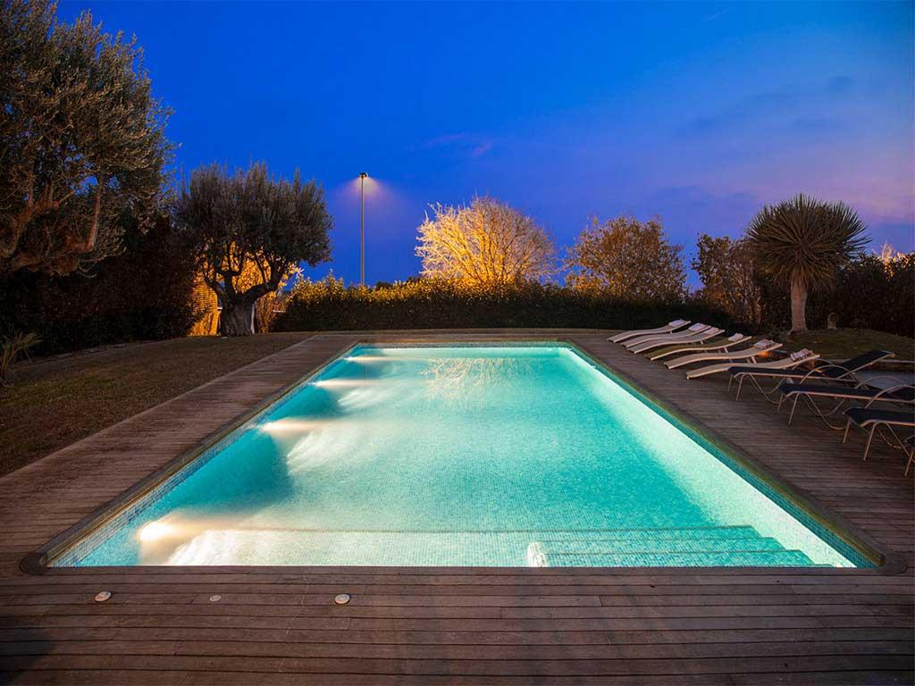 villa con piscina climatizada