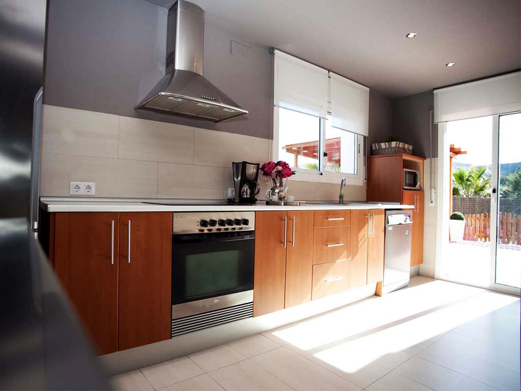 holiday villas in sitges modern kitchen