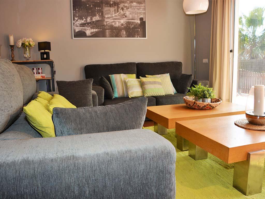 Holiday villas in Sitges salon living room