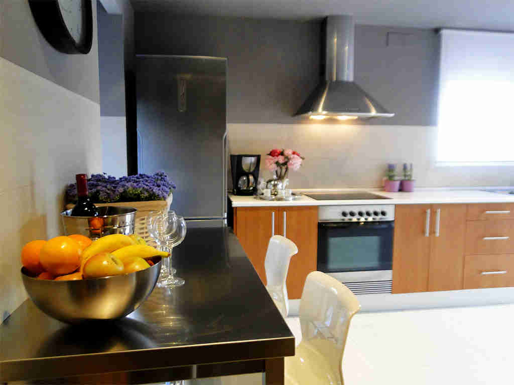 holiday villas in sitges kitchen bar for two