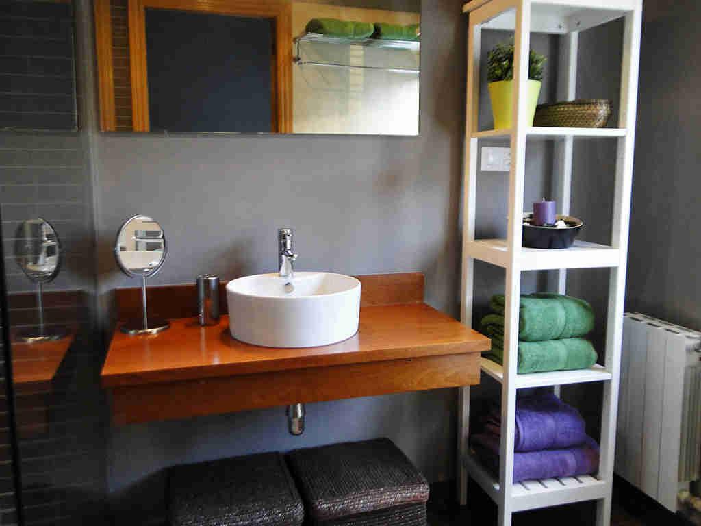 Location de villa à sitges: salle de bain de la suite