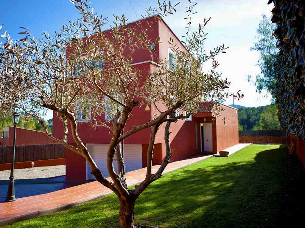 Location de villa à sitges: façade de la villa