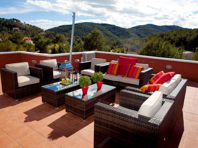 Chill-out de la segunda terraza del chalet para vacaciones