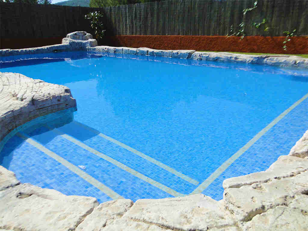 private holiday villas in sitges with pool to swim