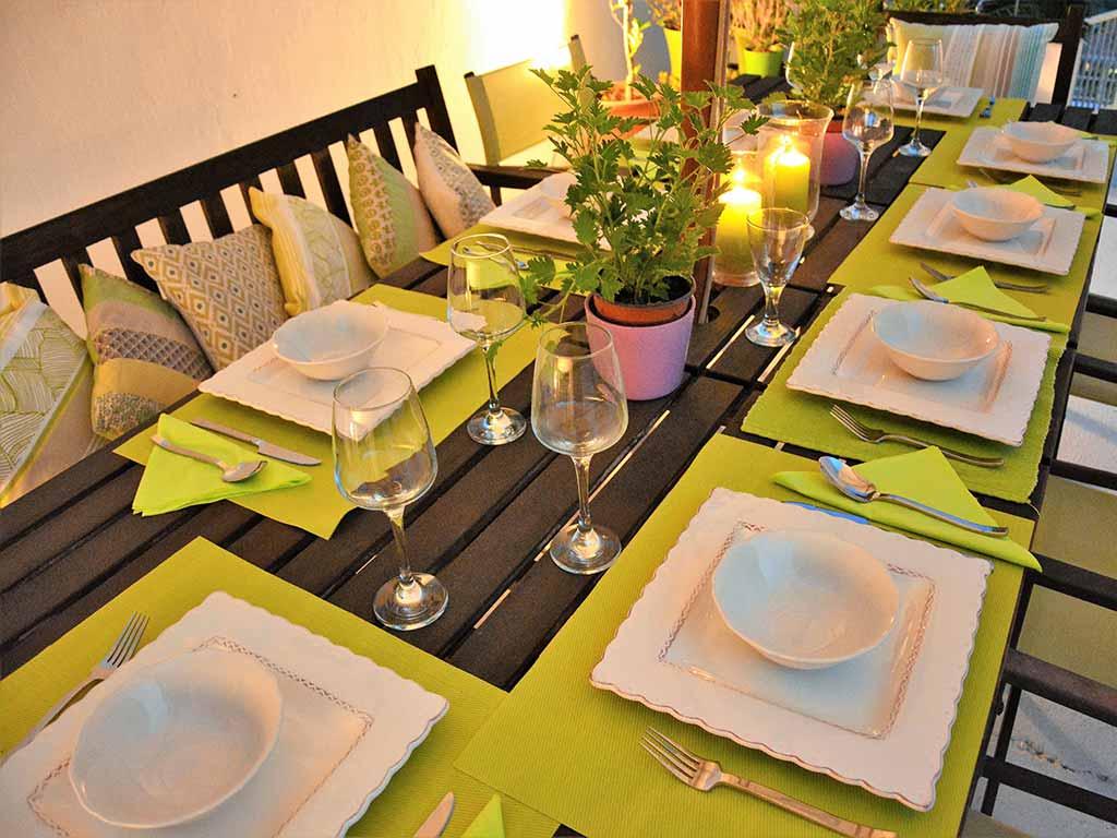 Casa de verano con piscina en Sitges: cena al aire libre