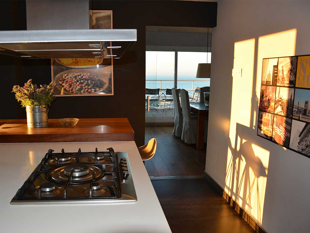 Table Centrale De Cuisine location de villa à barcelone au bord de la mer: cuisine