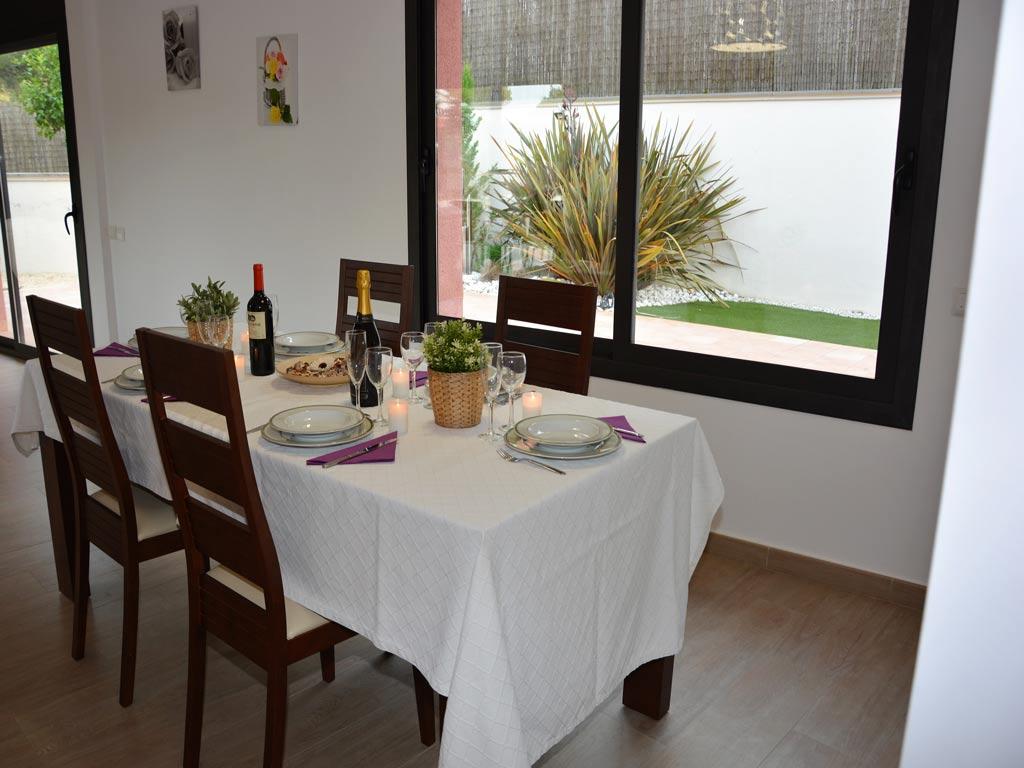 Villa Sitges con comedor.