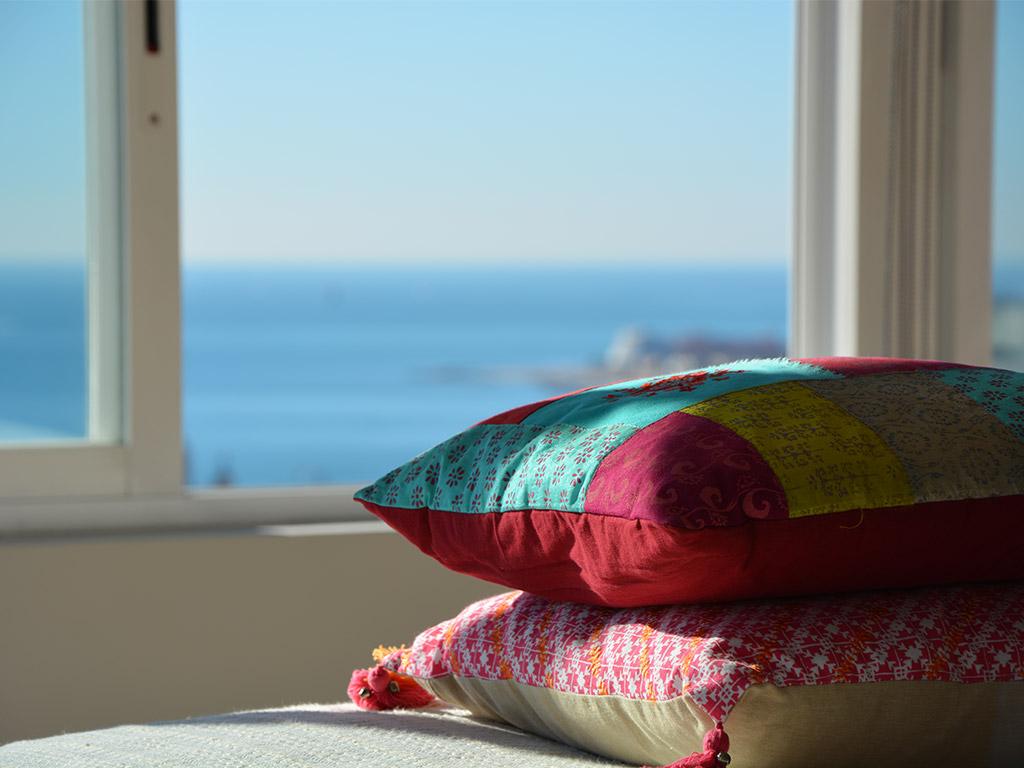casa de verano con piscina en sitges y sus detalles mediterráneos