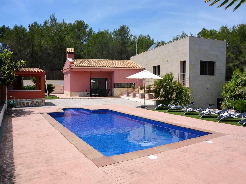 Villa Sitges elegante y moderna.