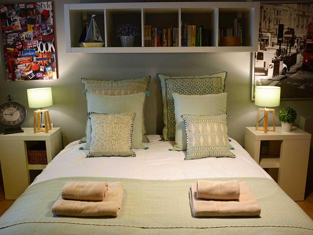 Location de Villa à Barcelone au bord de la mer: chambre pour deux personnes avec lit double