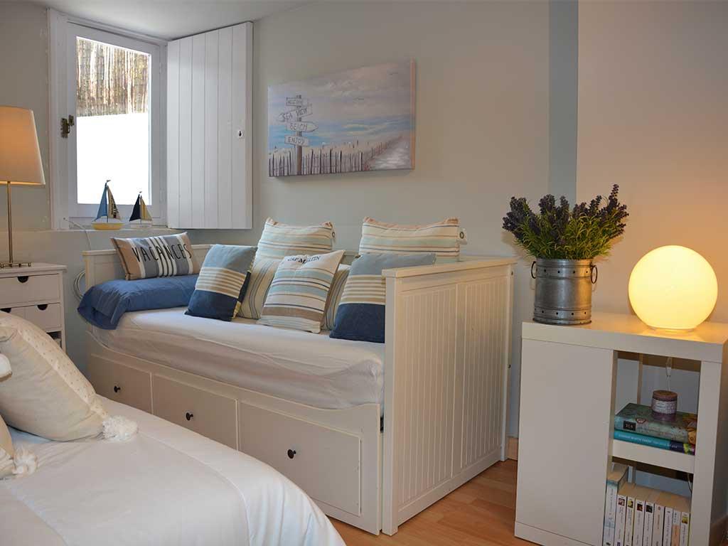 Location de Villa à Barcelone au bord de la mer: chambre pour deux personnes avec lits individuels