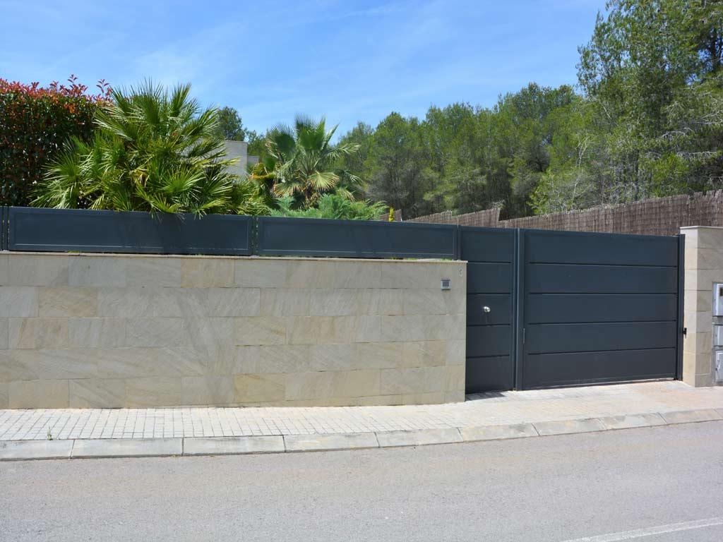 safe villa in Sitges