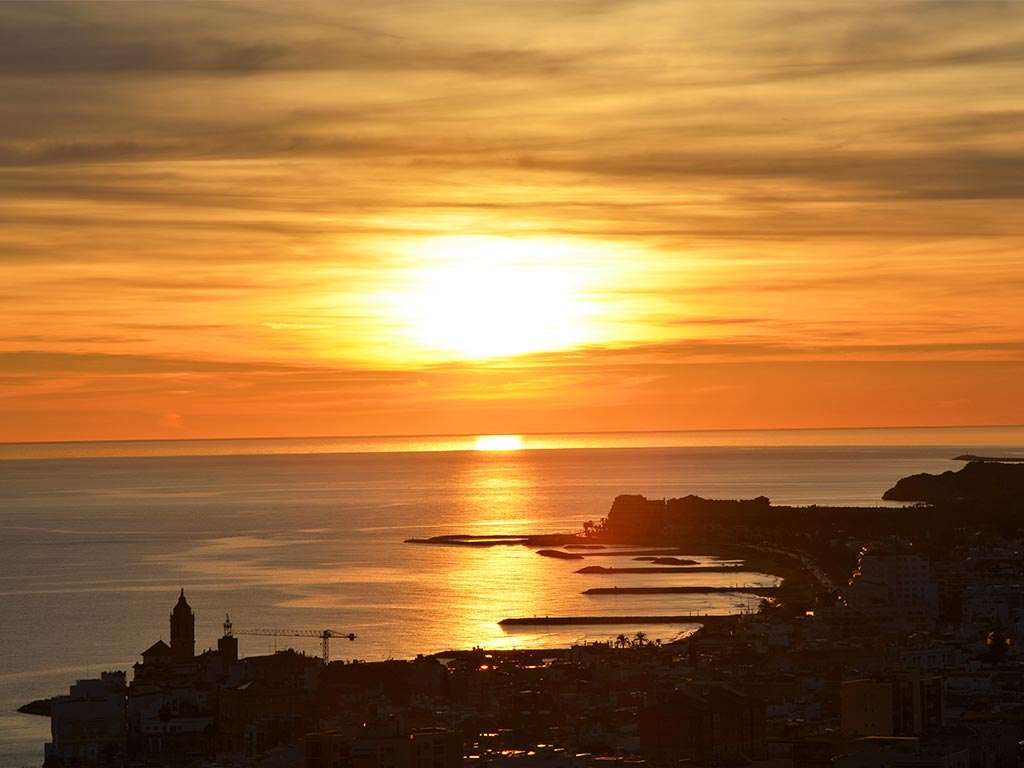 Casa de verano con piscina en Sitges: bonito atardecer