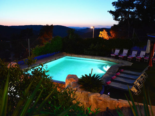 vacation home in sitges by night