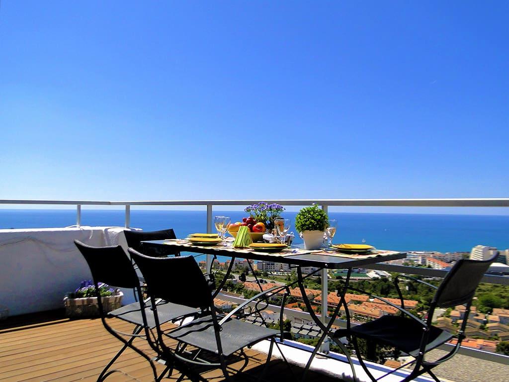 Location de Villa à Barcelone au bord de la mer: belle terrasse avec impressionantes vues
