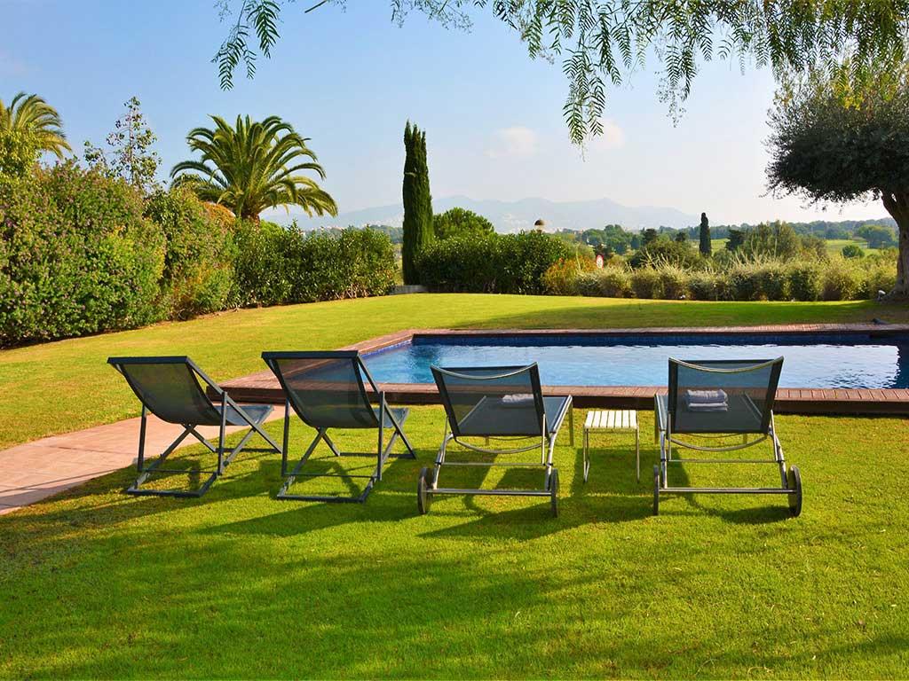 villa con piscina en sitges frente al golf de sitges