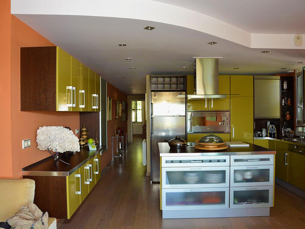 cocina moderna del apartamento de sitges para vacaciones