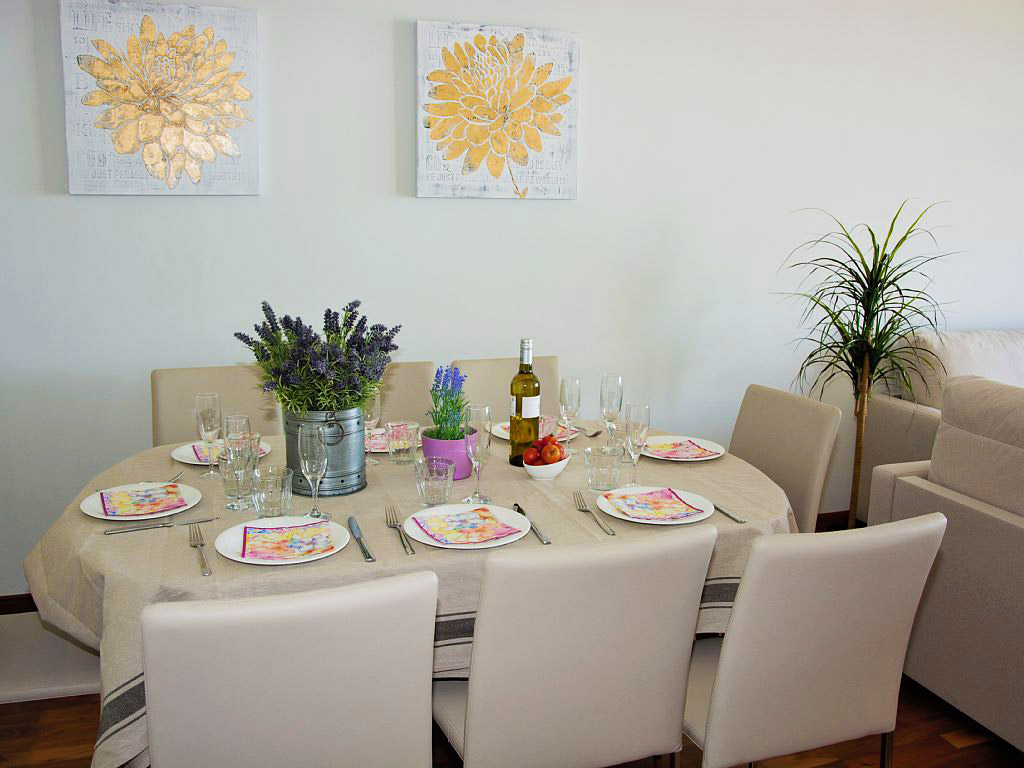 apartment for holiday in sitges and its dining room
