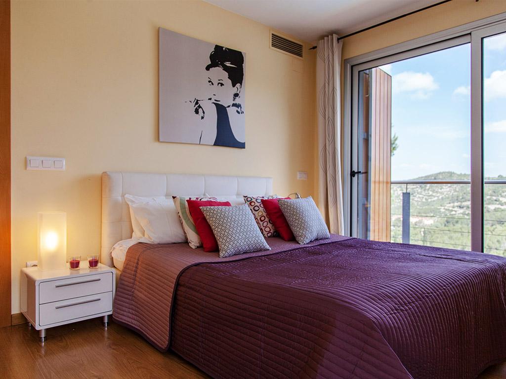 Villa à Barcelona avec piscine: chambreavec lit double
