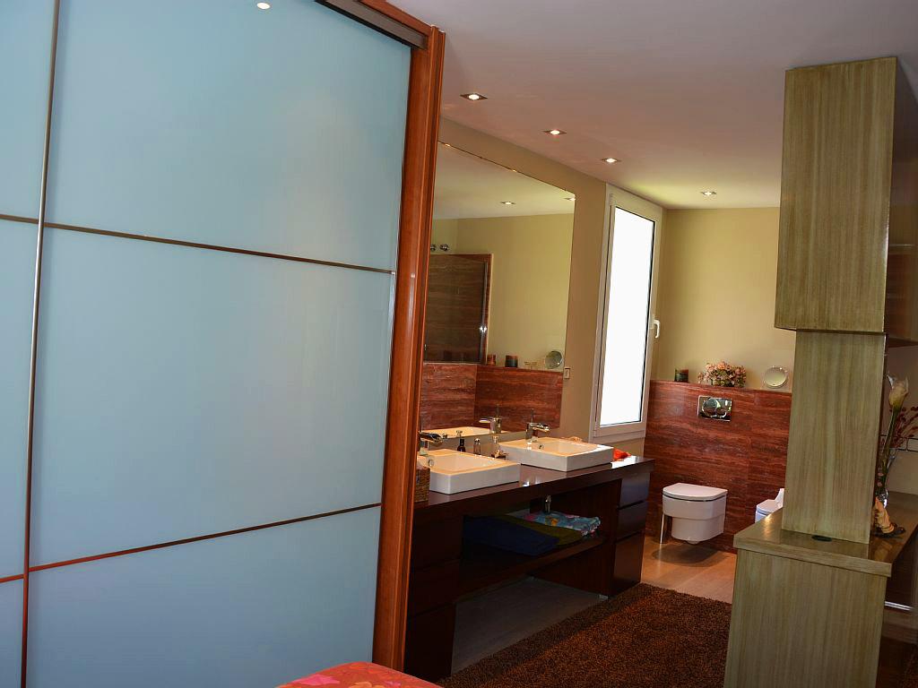 Appartement à louer à Sitges: salle de bain chambre double