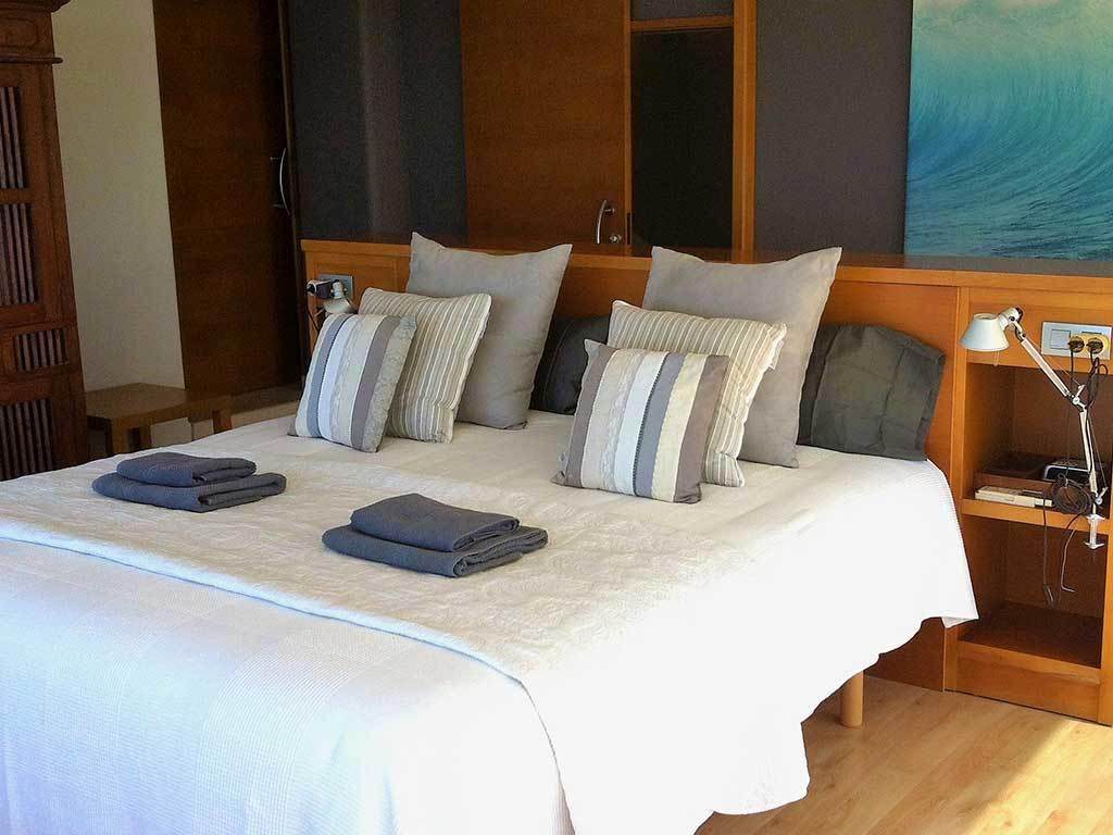 Location de Villa à Barcelone au bord de la mer: belle chambre