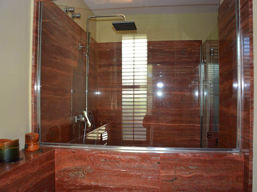 cabina de ducha de la suite del apartamento de sitges para vacaciones