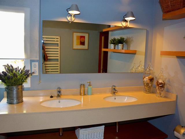 mediterranean villa in sitges bathroom