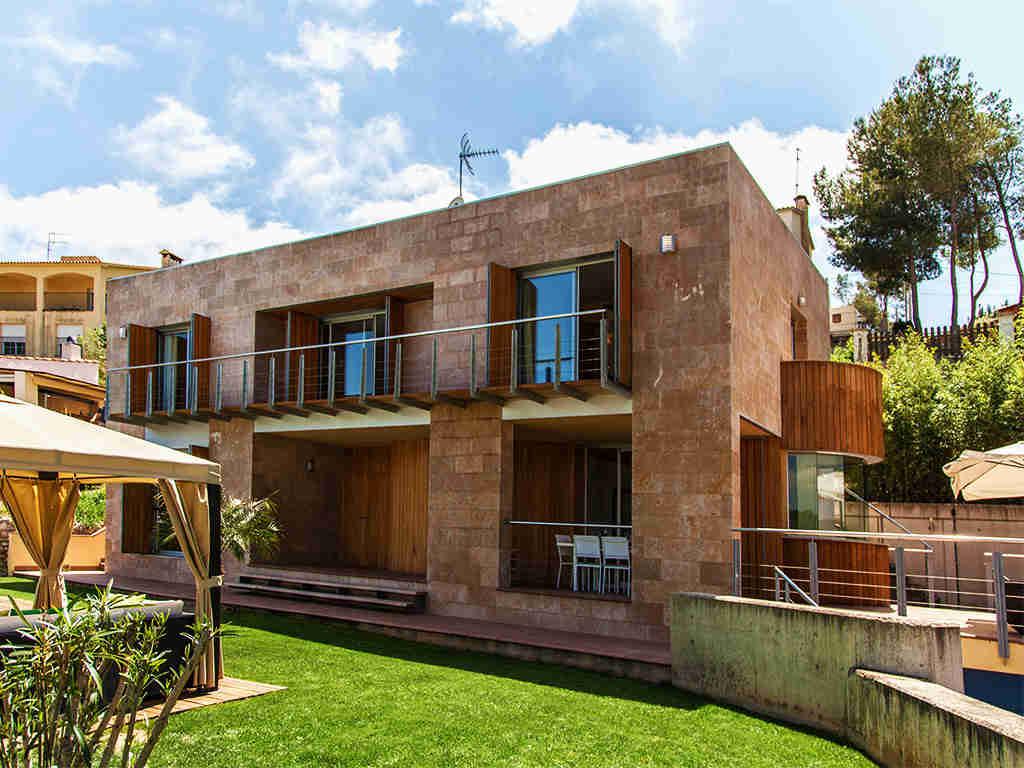 Villa à Barcelona avec piscine: entrée dans la villa