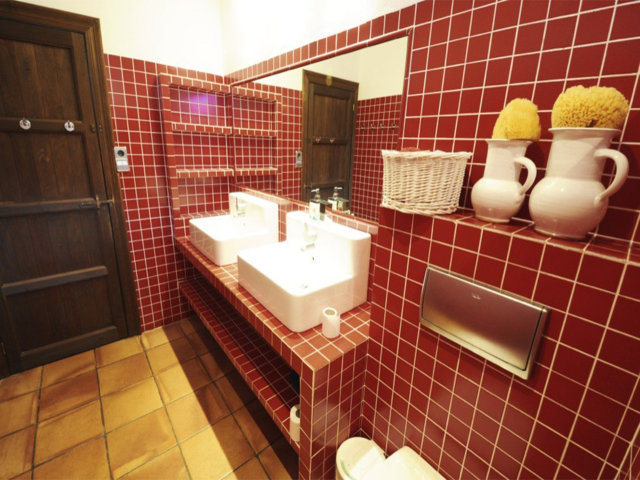 vacation home in sitges and its bathroom