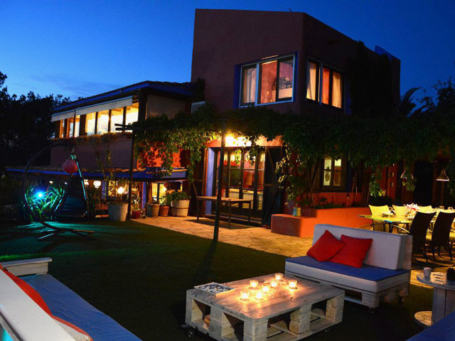 the vacation home in sitges by night
