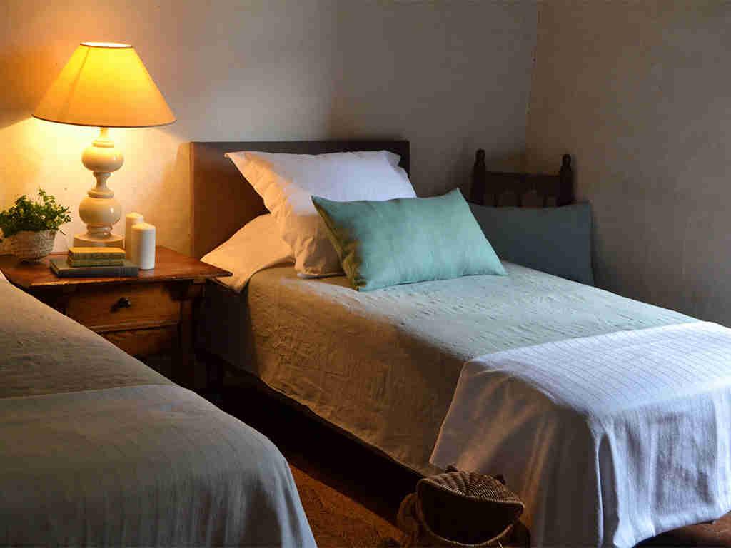 Location de Maison de vacances à Barcelone: chambre avec deux lits séparés