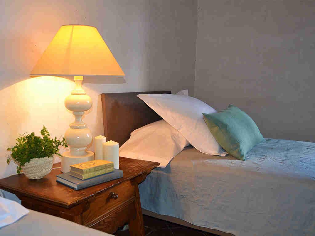 decoración de la habitación 2 de la casa rural en sitges