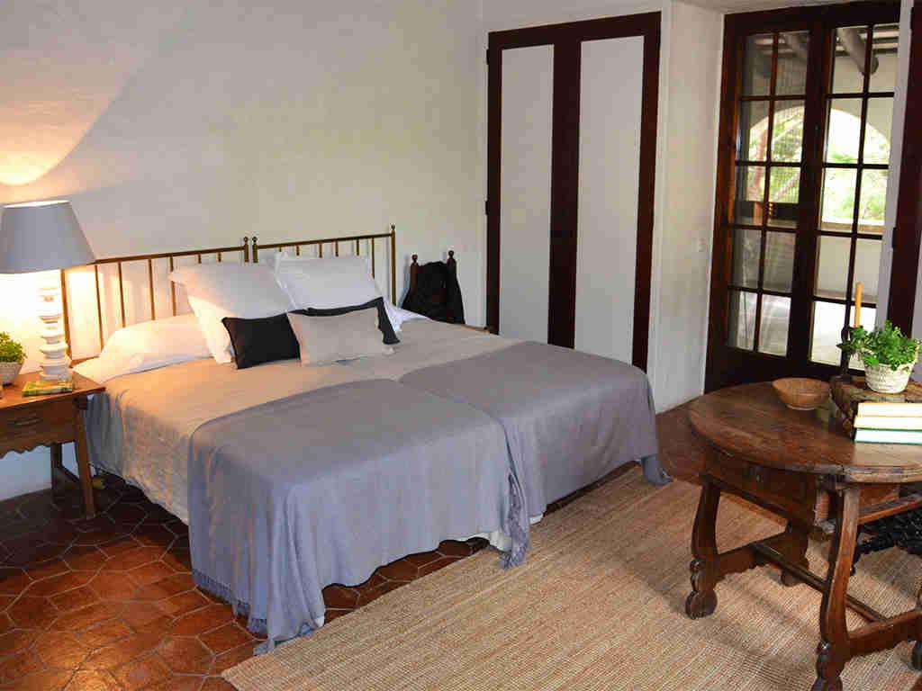 Location de Maison de vacances à Barcelone: chambre avec deux lits collés