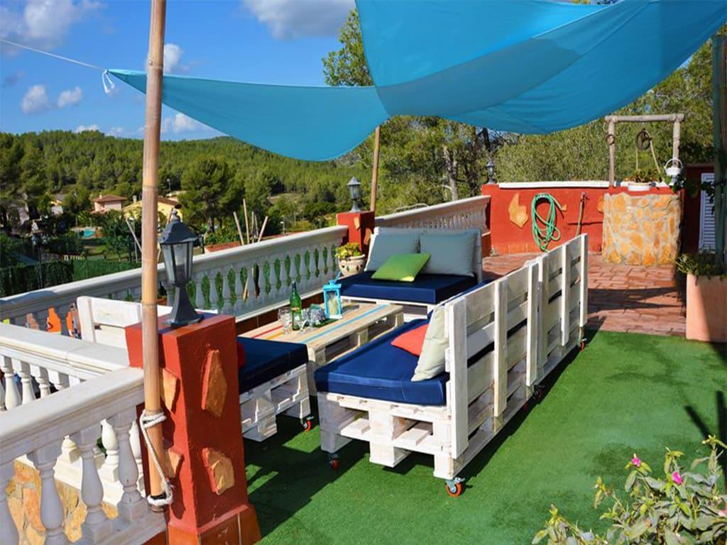 chill-out del chalet para alquilar en verano en sitges