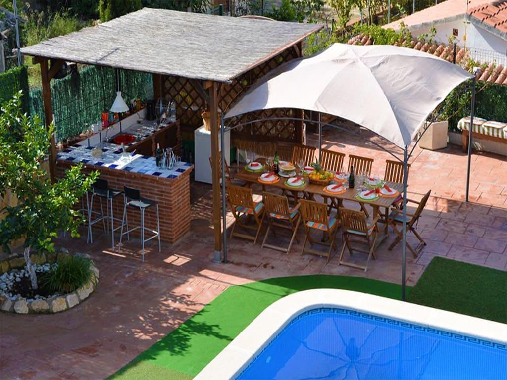 Location de vacances à barcelone: petit bar extérieur