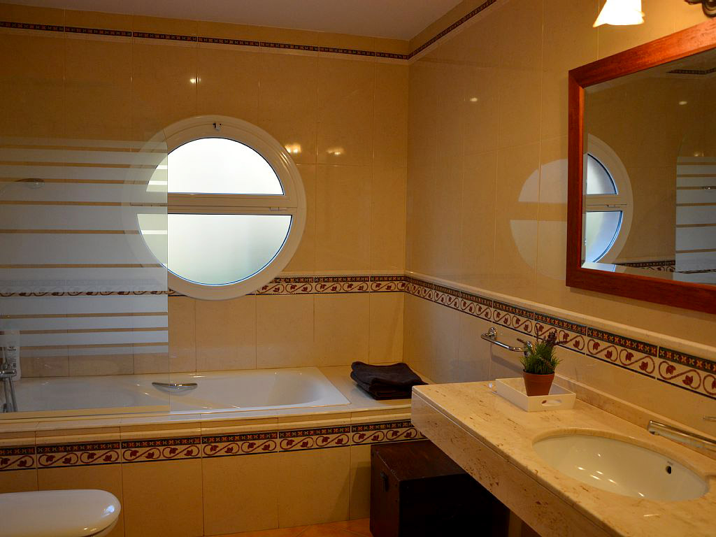 mediterranean house in Sitges and its first bathroom