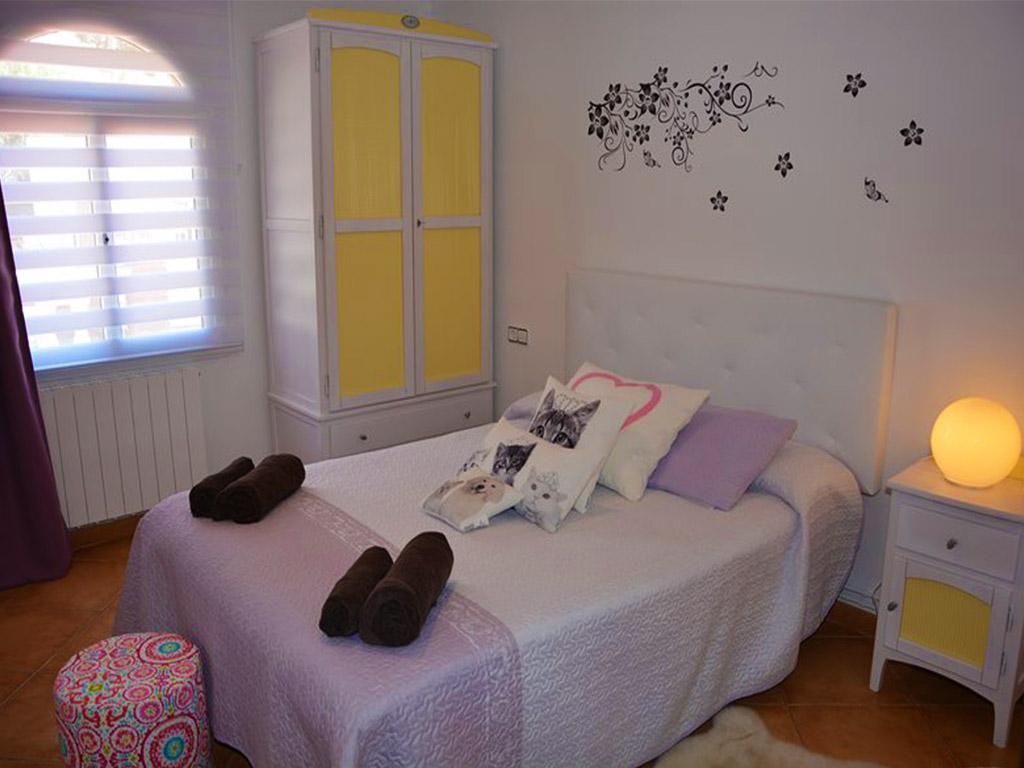 chalet para alquilar en verano en sitges y su cuarto dormitorio