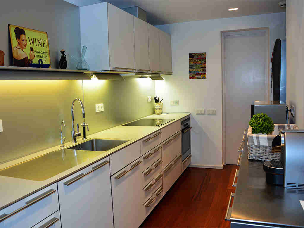 sitges apartments with pool, and modern and well equipped kitchen