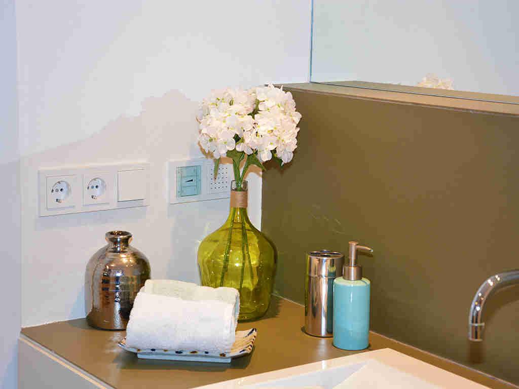 Location d'appartement à Sitges: détails de la salle de bains