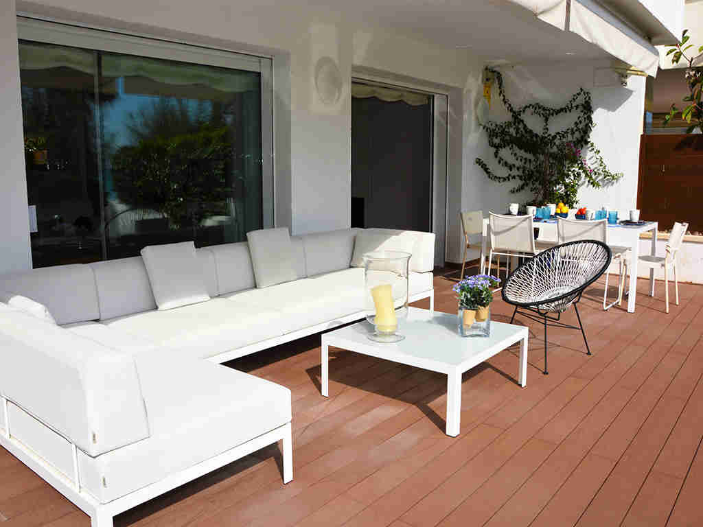Location d'appartement à Sitges: terrasse et chill-out
