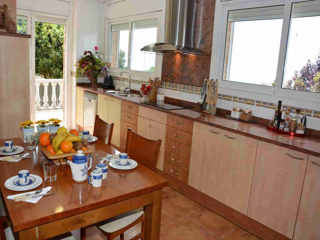 sitges villa with kitchen.