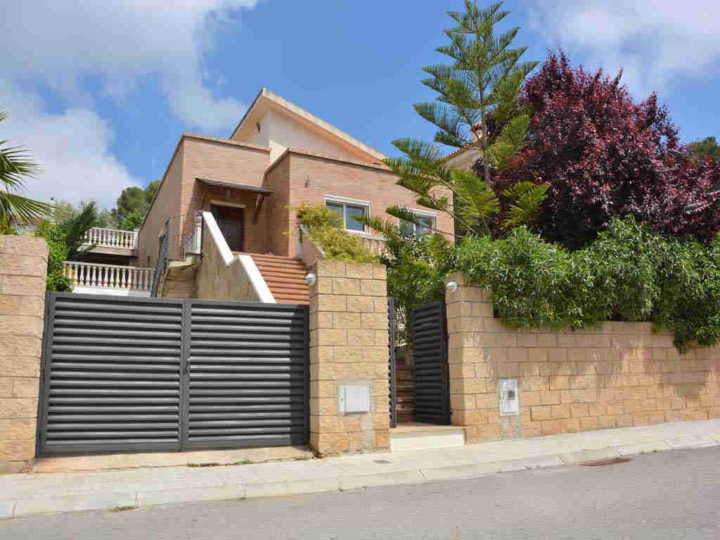 modern and elegant sitges villa.