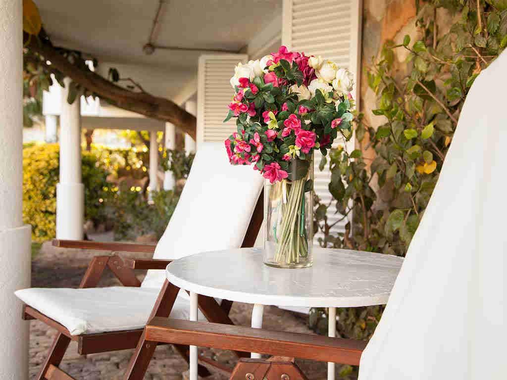 Villa vacacional en Sitges: flores