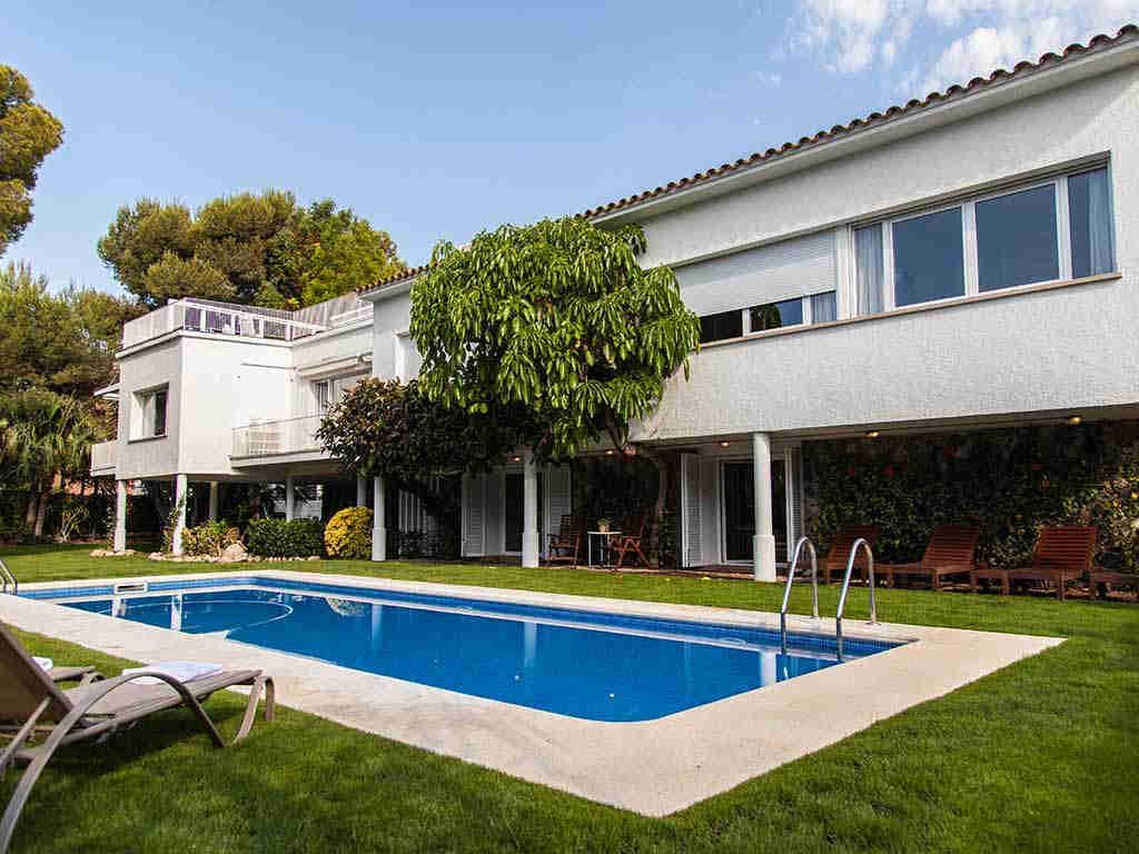 Sitges luxury villas façade