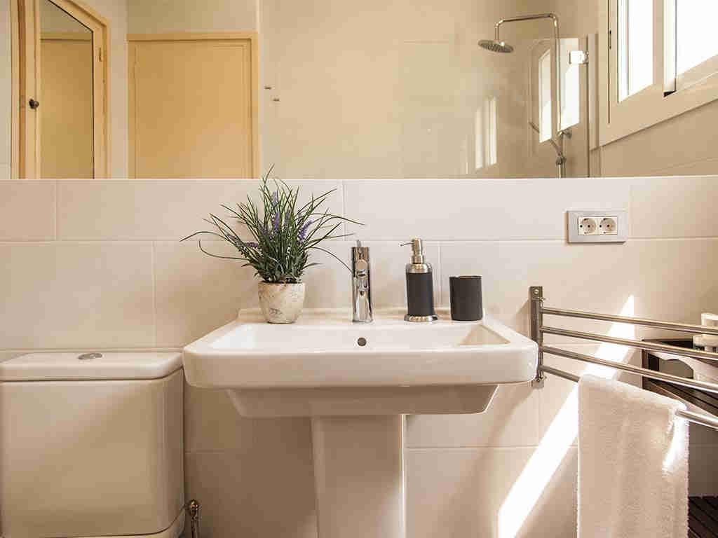 Villa vacacional en Sitges: segundo cuarto de baño
