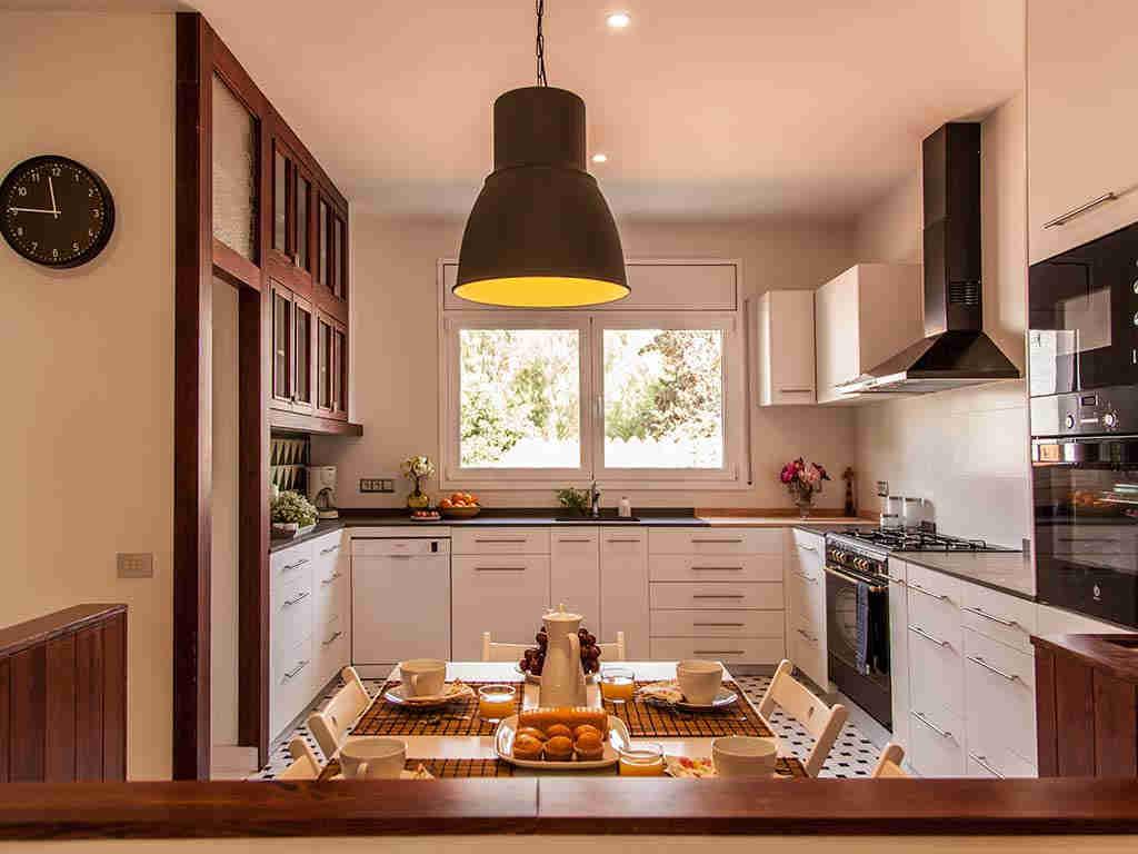 Villa vacacional en Sitges: amplia cocina
