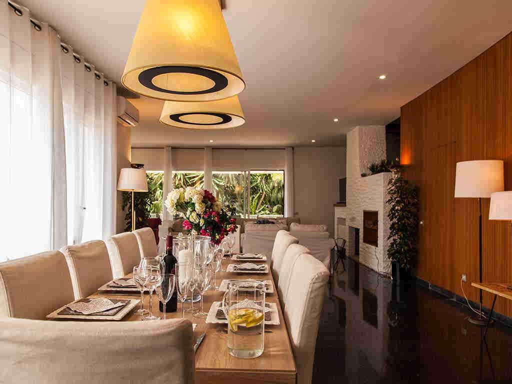 Villa vacacional en Sitges: comedor salón