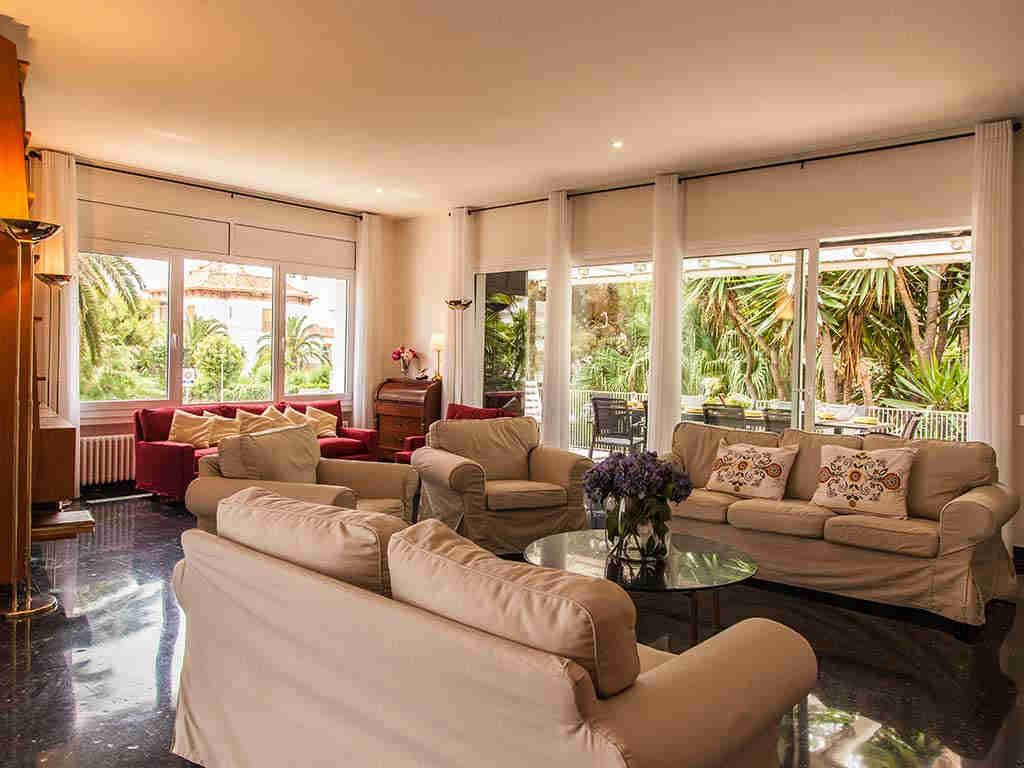 Sitges luxury villas with lounge