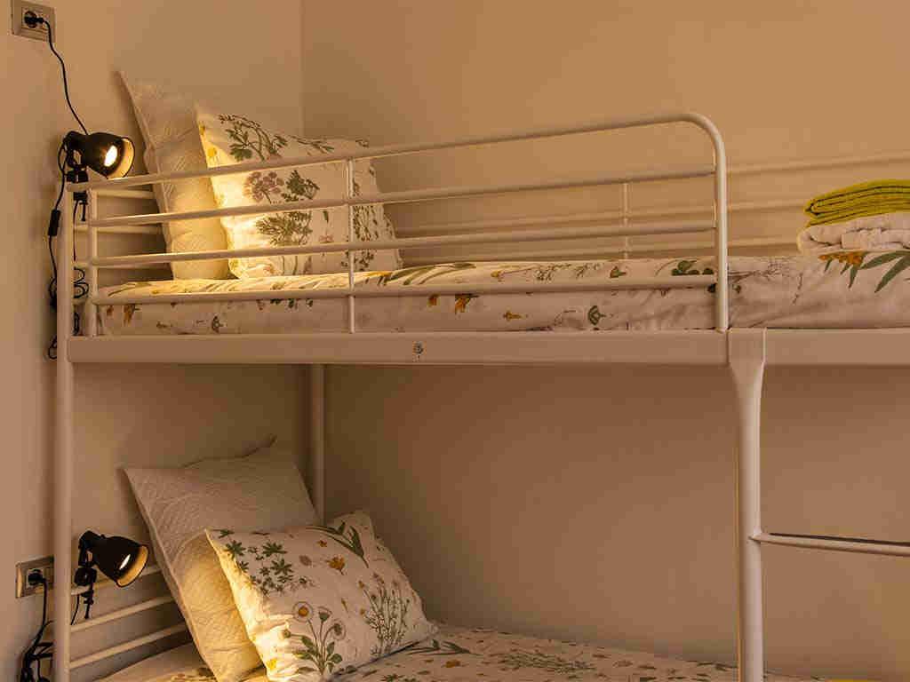 Villa vacacional en Sitges: habitación 6 con literas